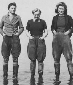 Image result for 1940s photos of women wearing pedal pushers