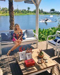 Beautiful Day! Paraíso do Nordeste o @colossolakelounge em Fortaleza é tudo que a nossa paulistana @helena_lunardelli sonhou para um dia de inverno! #FhitsFashionDay #FhitsIguatemiFortaleza @iguatemifortaleza #AguaDeCocoVerao2017 #CasaAguaDeCoco