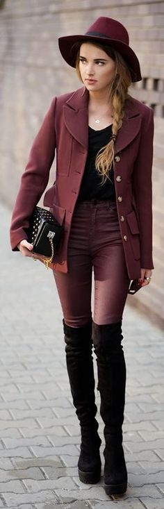 Burgundy And Black Classic Street Chic Outfits