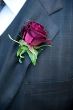 Simple rose boutonniere (would like a different color tho)