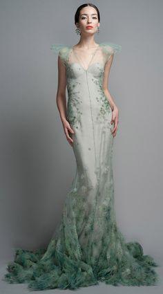 gorgeous gowns Shop Zac Posen Celadon Evening Gown at Moda Operandi Zac Posen, Look Fashion, High Fashion, Fashion Design, Runway Fashion, Dress Fashion, Beautiful Gowns, Beautiful Outfits, Stunningly Beautiful