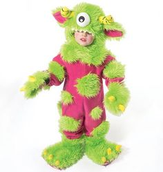 monster costume PJs and sewn on fur- great idea for cold Halloween night. Toddler Boy Halloween Costumes, Family Halloween, Halloween Night, Holidays Halloween, Halloween Ideas, Halloween Party, Halloween Stuff, Costume Patterns, Sewing Patterns
