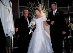 Traditional Jewish wedding Istanbul Turkey, with the bride and groom wedding photography.