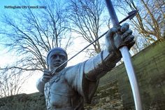 Robin Hood Statue   Photo by Experience Nottinghamshire