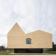 Vaíllo + Irigaray Architects, Rubén P. Bescós · Psychiatric Center - refurbishment & extension