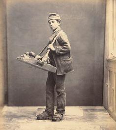 Bread seller. Ca. 1870?
