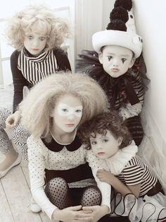 Karneval DIY Kostüm I Karneval Fasching Harlekin Kostüm Pierrot - costume I karneval - creepy halloween costumes Pierrot Kostüm, Diy Halloween Costumes, Halloween Party, Karneval Diy, Mime, Dark Circus, Circus Costume, Kids Dress Up, Night Circus
