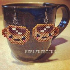 Cute coffee mug mini Perler Bead earrings – hama beads – pixel art geek jewelry 8 bit mini beads brown latte cafe espresso cappuccino - fraucoke. Perler Bead Designs, Easy Perler Bead Patterns, Fuse Bead Patterns, Perler Bead Templates, Diy Perler Beads, Perler Bead Art, Pearler Beads, Fuse Beads, Beading Patterns