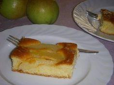 Duitsers noemen het Birnenkuchen. Wij noemen het taart. Lekker en makkelijk te maken. De taart wordt gemaakt op een bakblik in de oven. Basterdsuiker vind je...