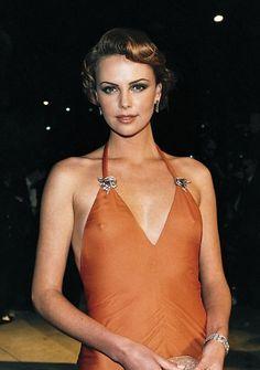 Charlize Theron 2000 Oscars