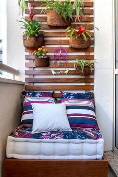 Jardín vertical en balcón pequeño