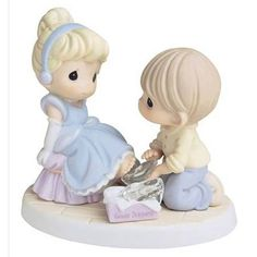 Precious Moments Disney Collection, Your Love Is A Perfect Fit