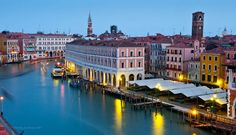 Ca' Sagredo Hotel, Veneto - The new luxury 5 star hotel in Venice overlooking the Grand Canal between the Ca' D'Oro and the Rialto Bridge. This Hotel is listed as a National Monument ... click to read more...
