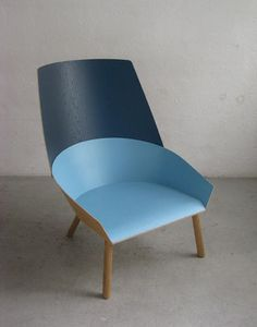 Picture this seat against a wall of the same top color. Interesting idea
