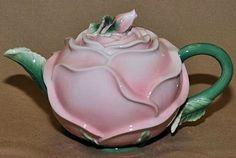 Precious Rose 26 oz Teapot