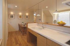 和モダンに北欧をミックスした住まい|兵庫県加西市の施工事例 Corner Bathtub, Alcove, Kitchen Design, Cuisine Design