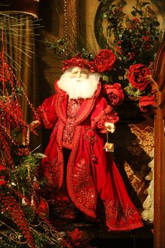 Joran's - Elegant Holiday Decor...great Santa...I love this one...I could add him to my collection....Bebe'!!!