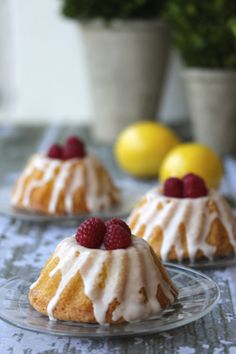 Limoncello Mini Bundt Cakes with Limoncello Glaze | a cup of mascarpone from @Carol | a cup of mascarpone