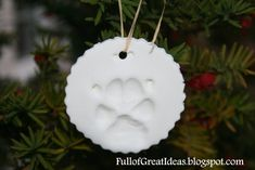 2 cups baking soda 1 cup cornstarch 1 cups cool water Full of Great Ideas: Christmas in October- Your Dog's Paw Print Ornament All Things Christmas, Winter Christmas, Christmas Holidays, Christmas Decorations, Xmas, Christmas Ideas, Country Christmas, Handmade Christmas, Dog Ornaments