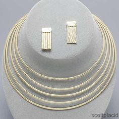 """CHUNKY 1 1/2"""" THICK GOLD TONE METAL NECKLACE SET    * If you need a necklace extender I have them for sale in my store.*            NECKLACE: CHOKER                    EARRINGS: POST                       COLOR: GOLD TONE $20.99"""