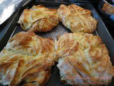 Τυρόπιτες λουλουδένιες, όχι μόνο όμορφες, αλλά και πεντανόστιμες. Κάντε τες και θα σας ξετρελάνουν!!! Θα καταλάβετε... Greek Recipes, Cabbage, Toast, Health Fitness, Snacks, Vegetables, Cooking, Breakfast, Sweet