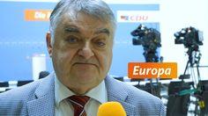 Reul: Europa braucht praktische Ergebnisse - #CDU   Was muss getan werden, um das Vertrauen in die Europaeische Union wieder zu staerken? Fragen an den Vorsitzenden der CDU/CSU-Gruppe im Europaeischen Parlament.   http://saar.city/?p=26918