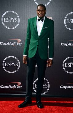 Kevin Durant wins Male Athlete of the Year award at ESPYs