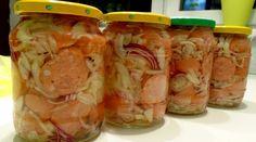 Pickled sausage from Prýglu - Brněnští utopenci z Prýglu recept - TopRecepty. Sausage Recipes, Fresh Rolls, Pickles, Mason Jars, Sandwiches, Food And Drink, Appetizers, Homemade, Canning