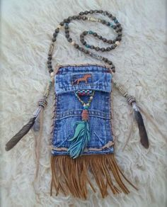 MEDICINE bag denim with FEATHER charm turquoise suede leather beaded necklace Jean Crafts, Denim Crafts, Jean Purses, Purses And Bags, Artisanats Denim, Denim Purse, Denim Ideas, Medicine Bag, Cute Diys