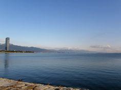晴れた日の琵琶湖はすごくきれいです。