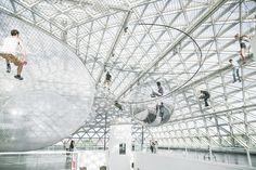 怖いけど楽しい、地上6階の高さに広がる巨大ハンモック:ギャラリー « WIRED.jp