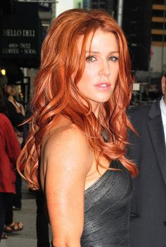 Unforgettable - Poppy Montgomery with gorgeous red hair Poppy Montgomery Hair, Curly Hair Styles, Natural Hair Styles, Red Hair Woman, Actrices Sexy, Hottest Redheads, Redheads Hot, Gorgeous Redhead, Natural Redhead