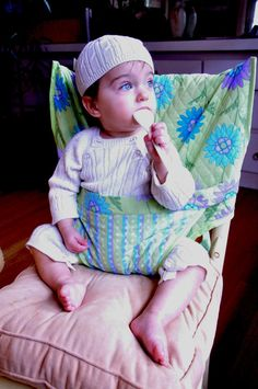 Cloth Travel High Chairs by ImagineCustomSewing on Etsy, $49.95  I think I want one of these for Sophia :)
