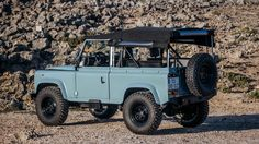 Defender 90, Land Rover Defender, Land Rover Series 3, Beach Cars, 4x4 Off Road, Collector Cars For Sale, City Photography, Custom Cars, Landing