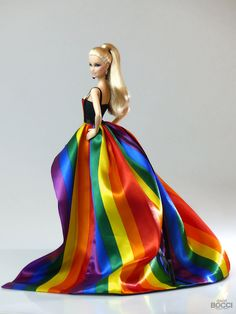 World Pride Madrid 2017 Over The Rainbow, Barbie Dress, Barbie Clothes, Judy Garland Death, Fashion Royalty Dolls, Fashion Dolls, Pretty Outfits, Beautiful Outfits, Pretty Clothes