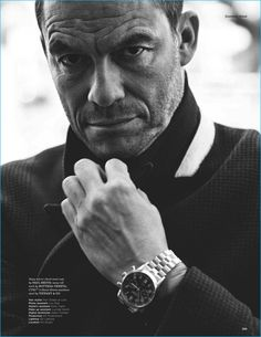 Dominic West captured in a black & white photo, wearing a micro-check wool coat from Paul Smith with a Bottega Veneta knit and Tiffany & Co. You Fitness, Health Fitness, Easy Fitness, Fitness Workouts, Health Club, Workout Routines, Fitness Tips, Black White Photos, Black And White