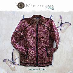 Chaqueta para hombre confeccionada con tejidos tradicionales de la IndiaSeda PoliesterInterior 100% AlgodónTalla: S/M