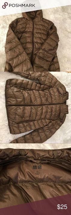 UNIQLO short ultralight down WOMEN parka jacket UNIQLO ultralight down parka. Large size. It was bought in Japan for a gift, yet it turns out to be a wrong size. So i am selling it for cash. Please make me an OFFER! Uniqlo Jackets & Coats Utility Jackets