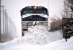 Norfolk and Southern Railroad Train Tracks, Train Rides, Train Pictures, Snowy Pictures, Railroad Wife, Southern Trains, Southern Railways, Railroad Photography, Norfolk Southern