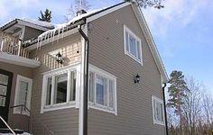 rintamamiestalo - Google-haku Garage Doors, Windows, Traditional, Architecture, Outdoor Decor, House Ideas, Google, Design, Home Decor