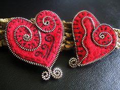 Felt and zipper hearts