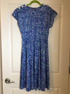 Vintage. Click on pin for more details and pics. $10 plus shipping Buy My Clothes, Short Sleeve Dresses, Casual, Stuff To Buy, Vintage, Fashion, Moda, La Mode, Fasion