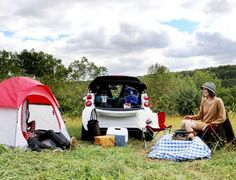 A weekend of camping in the smart ForTwo. Smart Center, Picnic Blanket, Outdoor Blanket, Smart Fortwo, Smart Car, Saint Charles, Big Love, Dream Cars, Mercedes Benz