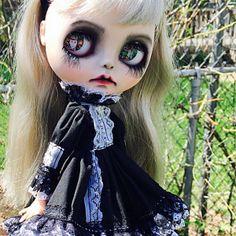 Custom Art Dolls por WhiteRabbitBlythes en Etsy