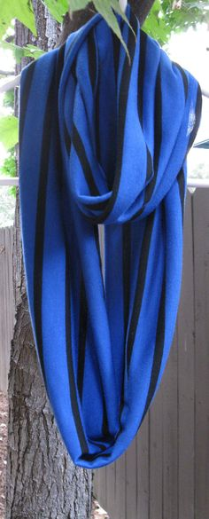 Love the infinity scarves this season!