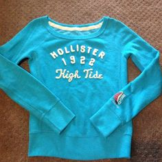 Hollister sweater Lightly worn..blue sweater with off white lettering Hollister Sweaters Crew & Scoop Necks