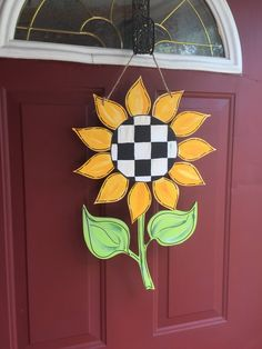 Sunflower Door Hanger Whimsical Black and White check LARGE Fall Wood Crafts, Door Crafts, Burlap Crafts, Wooden Crafts, Sunflower Door Hanger, Fall Door Hangers, Large Flowers, Wood Doors, Fall Halloween