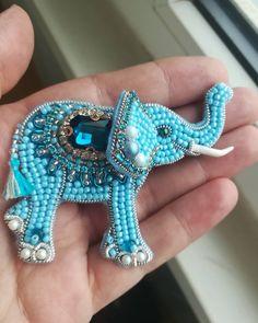 Repost @broshka_kbr by @media.repost: #Брошьслон#брошьслоник#брошьручнаяработа#хэндмейд#biser_prodaga#handmadeprostor#handmade_ru_jewerelly#handmade_prostor#broochelephant#elephant#brooch  Слон олицетворяет мудрость, силу иблагоразумие. Онслужит вИндии, Китае иАфрике эмблемой царской власти исимволизирует качества, необходимые для хорошего правителя— достоинство, проницательность, интеллект, терпение, атакже верность, миролюбие, долголетие, процветание, счастье. Встранах Азии и...