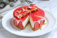 Sütés nélküli túrómousse torta eperrel – Ízből tíz Mousse, Panna Cotta, Nom Nom, Cheesecake, Food Porn, Food And Drink, Ethnic Recipes, Pasta, Dulce De Leche