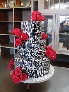 Uniqueness Zebra Wedding Cakes for extraordinary wedding 3 Pretty Cakes, Cute Cakes, Beautiful Cakes, Amazing Cakes, Fancy Cakes, Yummy Cakes, Zebra Wedding, Tattoo Cake, Fondant